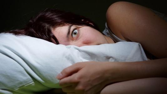 Colesterolo alto: a rischio chi dorme poco