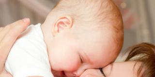 La tenerezza del bebè stimola i sensi degli adulti