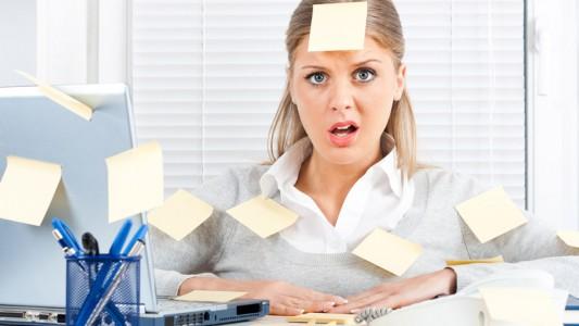 Troppo lavoro fa male, soprattutto alle donne