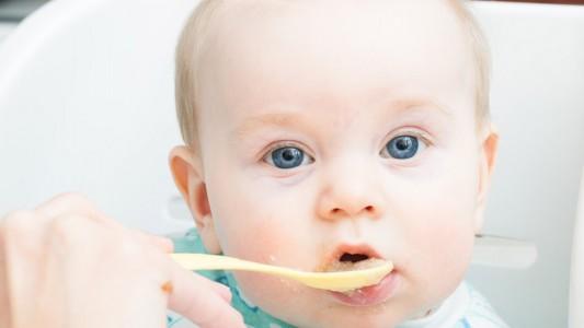 11 calorie in più a pasto e il bebè rischia l'obesità