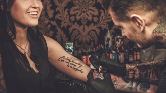 Tatuaggi: attenzione all'inchiostro cancerogeno
