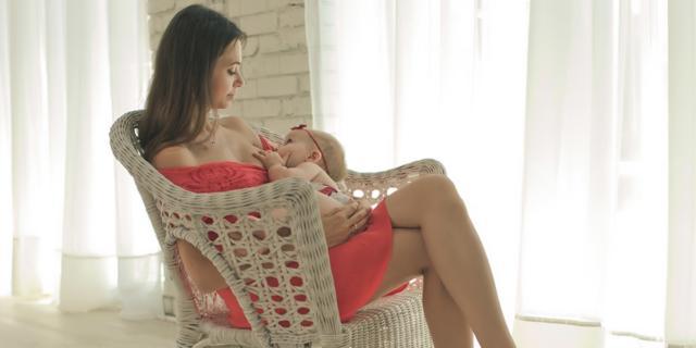 Al via una nuova campagna allattamento al seno