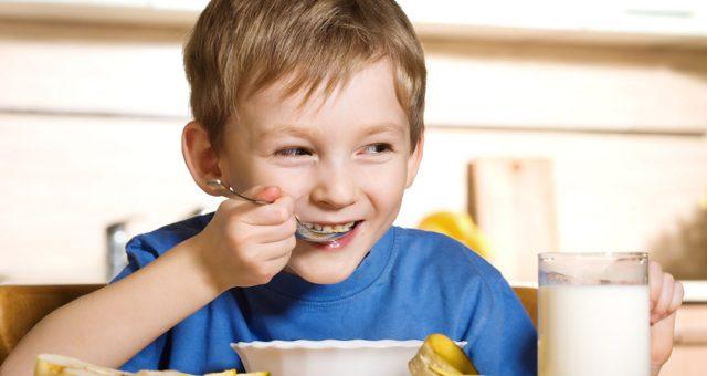 Una buona colazione migliora i voti a scuola
