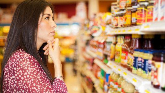 Ingredienti artificiali: la nuova preoccupazione degli italiani