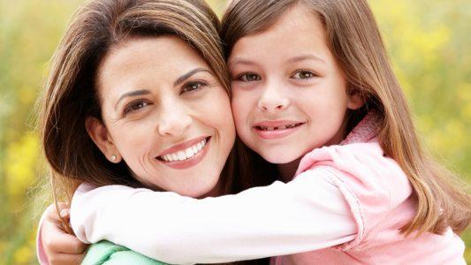Rilassate, scout, chiocce: i 5 modi di essere mamma oggi