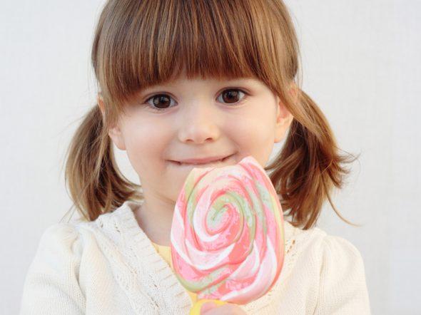 Zucchero nei bambini: niente fino ai due anni