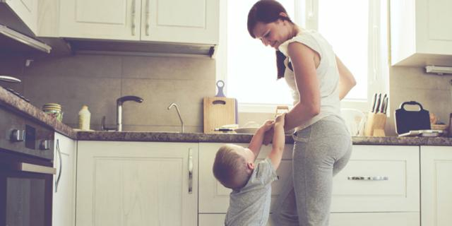 Frigorifero e ripiani della cucina più sporchi di pavimenti e wc