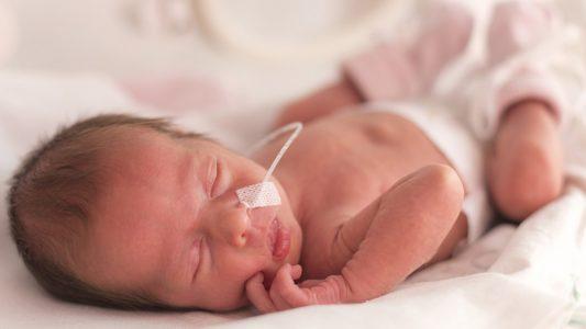 Prematuri: ecco come aiutarli a crescere sani