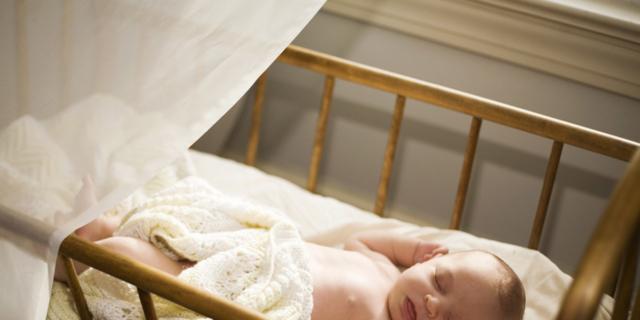 Primo anno di vita: bebè in camera con mamma e papà