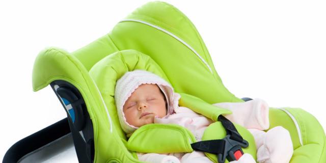 Seggiolino auto: per i neonati solo viaggi brevi