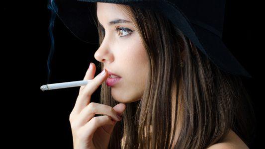 Danni del fumo ignorati da un giovane su 2