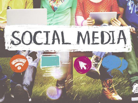 Ragazzi social: la tendenza è fingersi maggiorenni