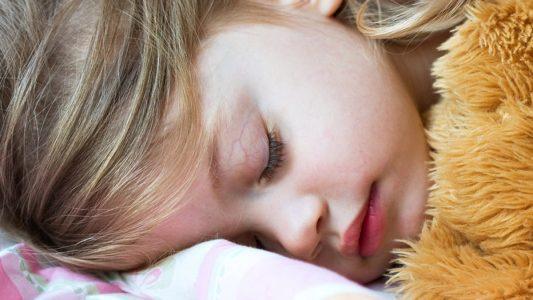 Apnee notturne: un'epidemia silenziosa, anche tra i bambini