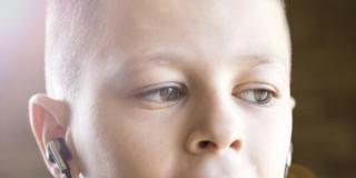 Auricolari per bambini: la metà non è sicura