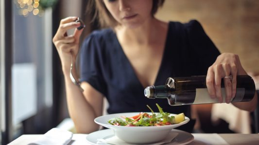 Glicemia più bassa con verdure a inizio pasto