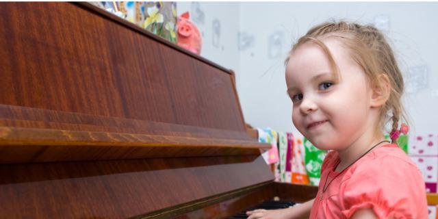 Il cervello dei bambini si sviluppa a suon di musica