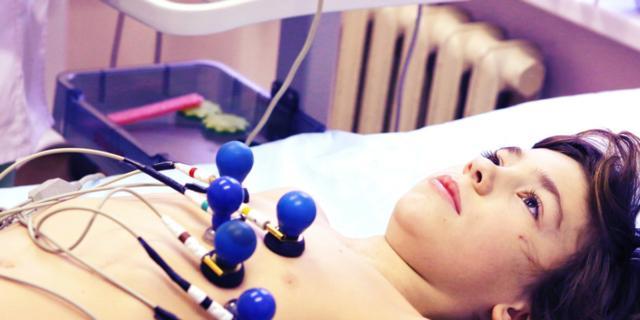 Elettrocardiogramma contro la morte improvvisa dei giovani