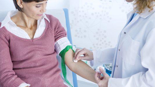 Cancro all'ovaio: diagnosi più facile con la biopsia liquida?