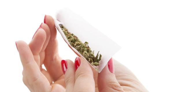 Marijuana, negli Usa aumentano le donne che la usano in gravidanza