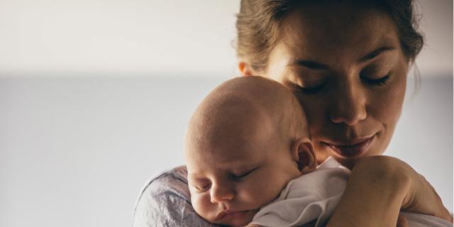 Neonato: parto e allattamento possono influenzarne la salute