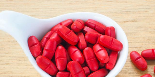 Riso rosso contro il colesterolo: può causare effetti collaterali