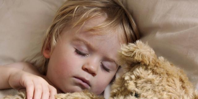 Melatonina: 1 neuropsichiatra su 3 la prescrive contro l'insonnia dei bambini
