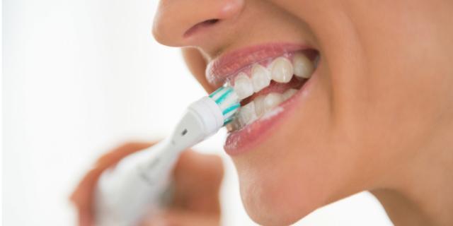 Placca dentale: un rischio per la salute di tutto l'organismo