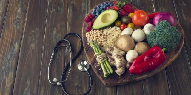 No alle diete estreme: pochi benefici sulla linea, tanti danni alla salute