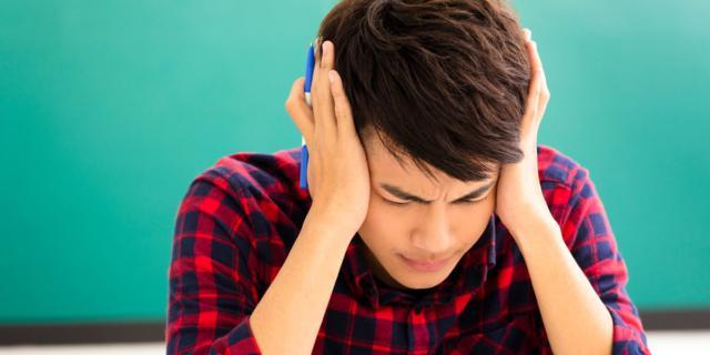 Il mal di testa nei ragazzi si allevia con… un filo