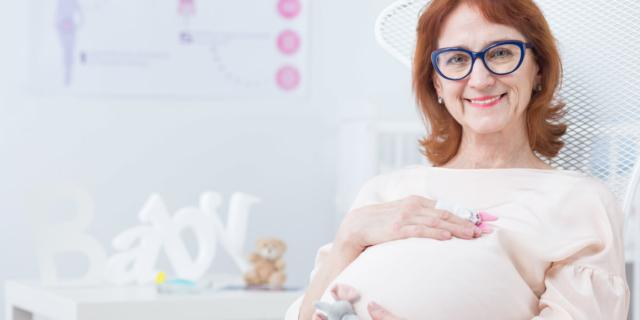 Ringiovanimento delle ovaie: un figlio in menopausa?