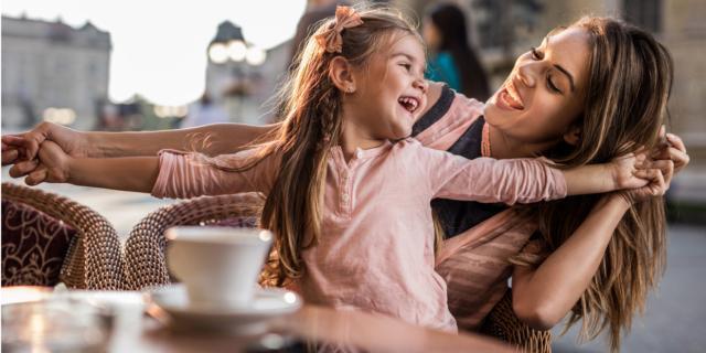 Mamma a 30-40 anni, figli più equilibrati