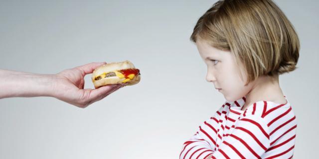 Disturbi alimentari: bambini a rischio già a 8 anni