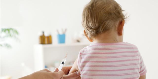 Vaccini obbligatori per andare a scuola: è legge