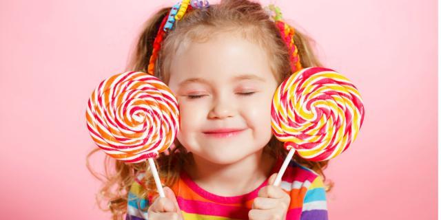 Dolcificanti ai bambini? Meglio lo zucchero (poco)