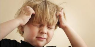 Mal di testa nei bambini: ancora troppe convinzioni sbagliate