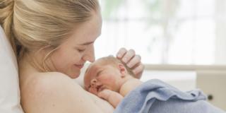 Crollo nascite: in 9 anni 100 mila nati in meno