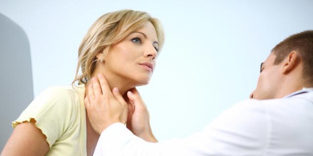 Ansia, stanchezza, insonnia: e se fosse colpa della tiroide?