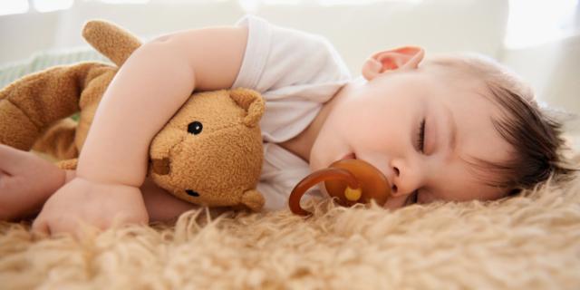 Il sonnellino migliora il linguaggio dei bambini