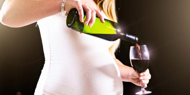Alcol in gravidanza? Meglio niente