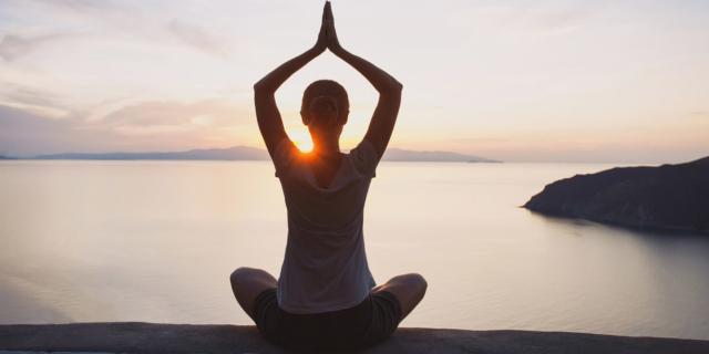 """Yoga: bastano 25 minuti per """"accendere"""" il cervello"""