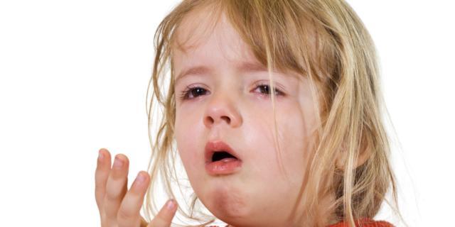Tosse nei bambini: più a rischio chi beve poco