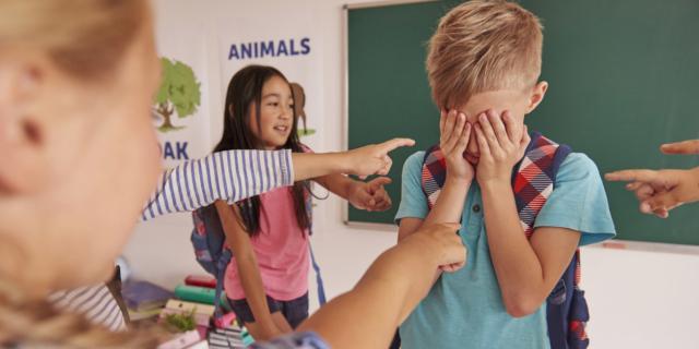 Bruxismo negli adolescenti, possibile spia di bullismo?