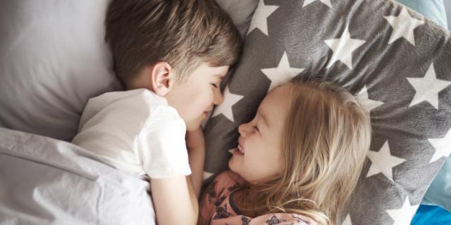 Sonno dei bambini: quelli che dormono poco invecchiano prima