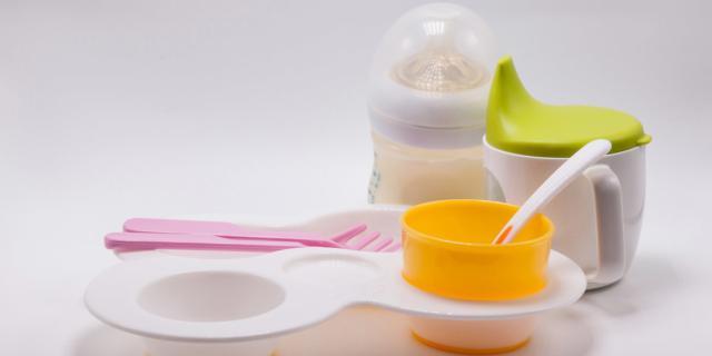 Bisfenolo A, nuove regole da Ue: zero tracce nel cibo dei bimbi