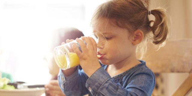 Succo di frutta? Meglio non a colazione e a merenda