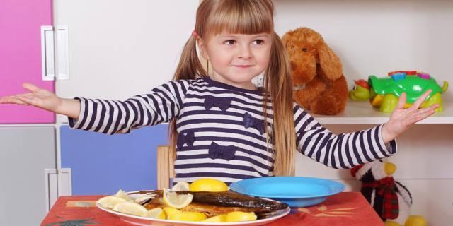 Rinite allergica nei bambini: utile più pesce