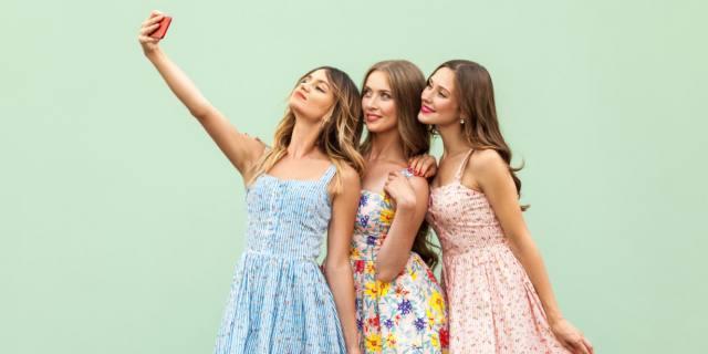 Selfie perfetto: prima passa dal chirurgo