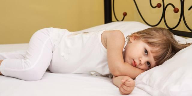 Poco sonno nei bambini aumenta il rischio di obesità… e non solo