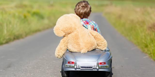 Bambini a tre anni sanno a chi appartiene un oggetto
