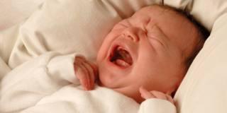Sindrome del bambino scosso: 10 cose da sapere